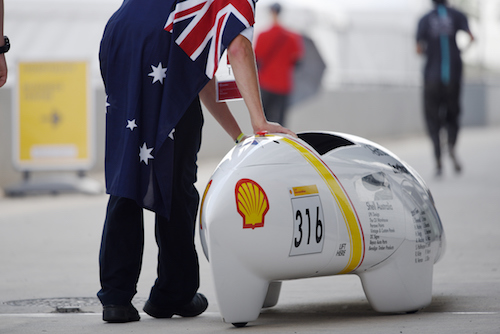 Shell Incharge Rolling Car